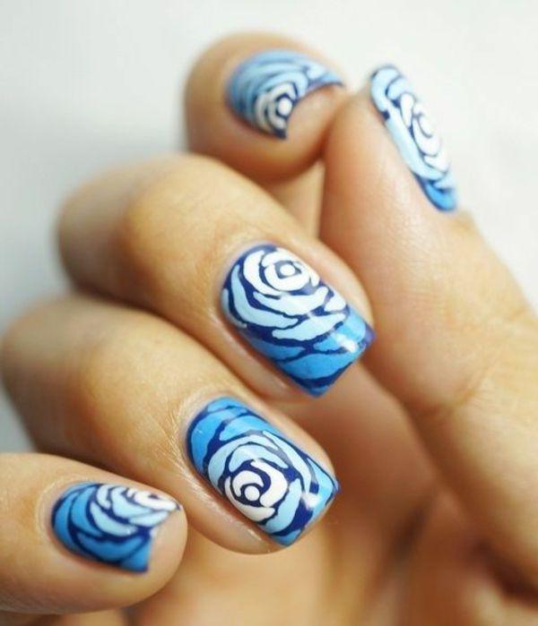 fingernägel design blaue rosen
