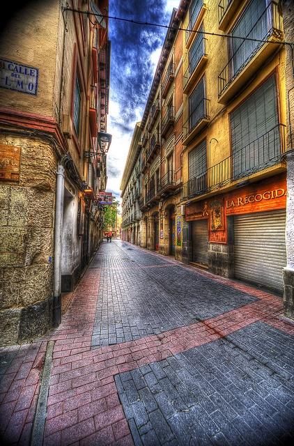 Callejeando by bardaxi, via Flickr