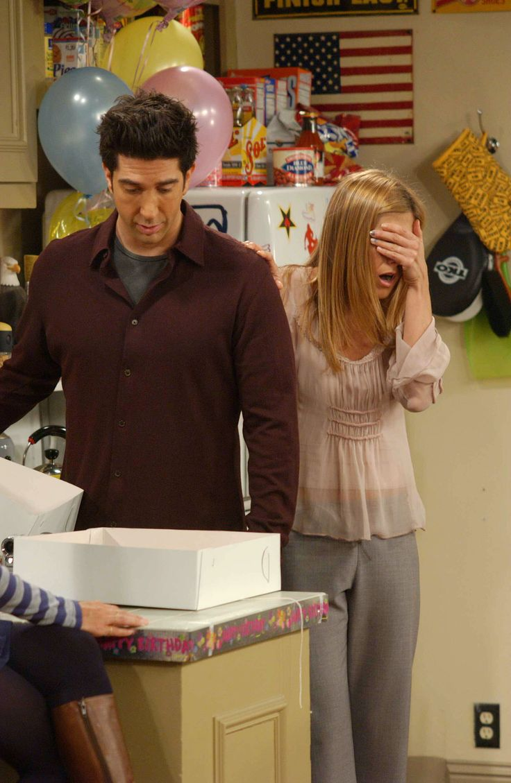 Friends ~ Episode Stills ~ Season 10, Episode 4: The One with the Cake #amusementphile