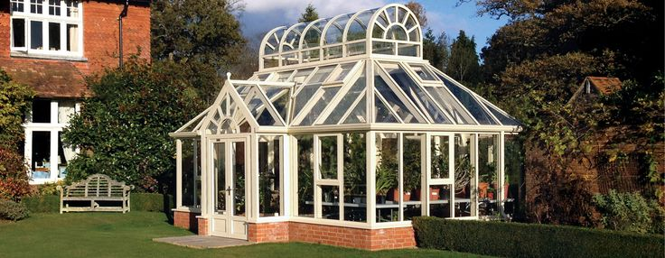 View the exquisite Garden Room greenhouse, part of Hartley Botanic Range. This greenhouse is built to the highest standard and made in England.