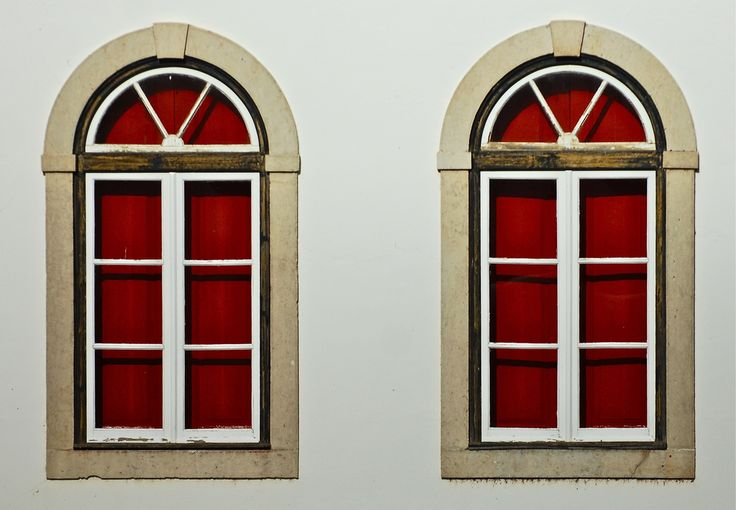 White and red twin windows | Mértola, Portugal