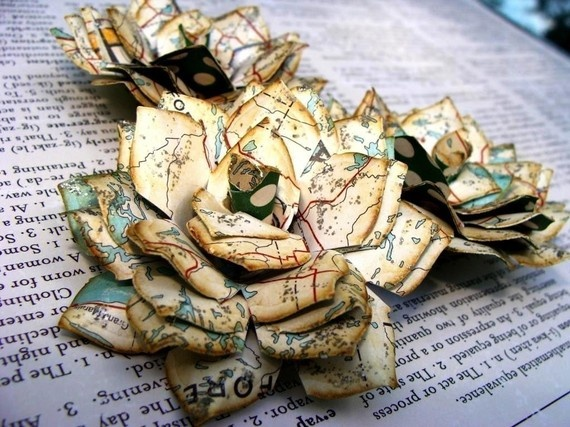 Atlas paper tea roses