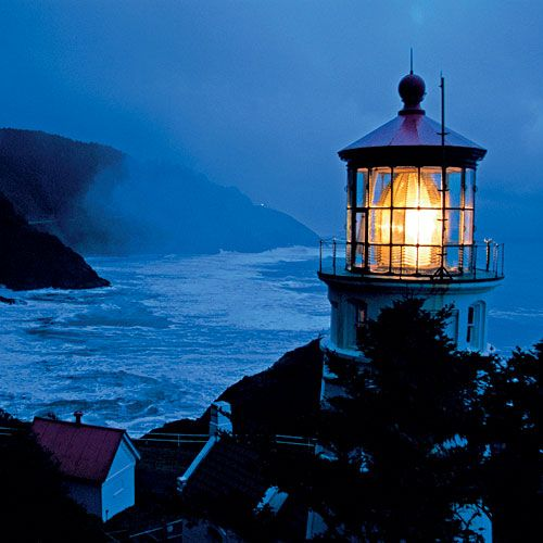 Madame Diamond's Lighthouse    (Heceta Head Lighthouse, Oregon. Thick fog, pounding surf, and a ghost named The Gray Lady who searches for her young daughter, a victim of the treacherous cliffs.)