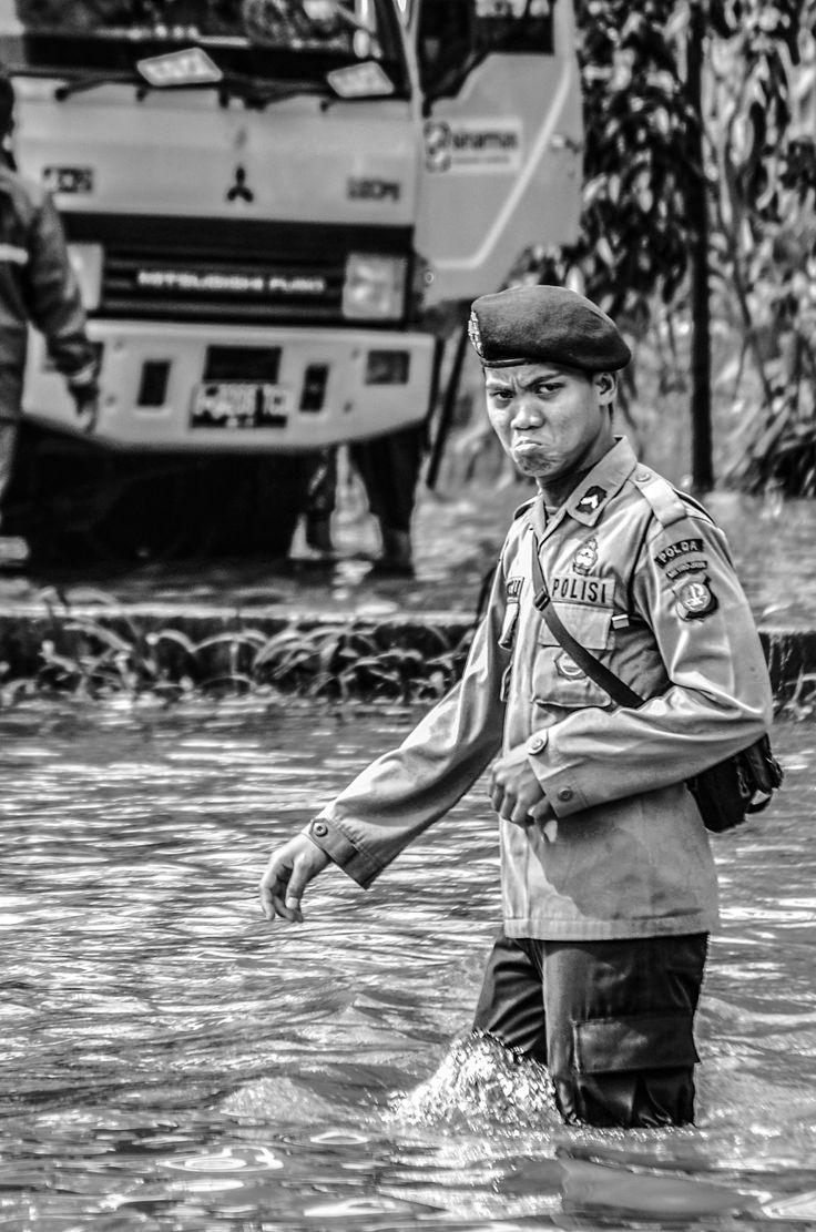 #flood #police