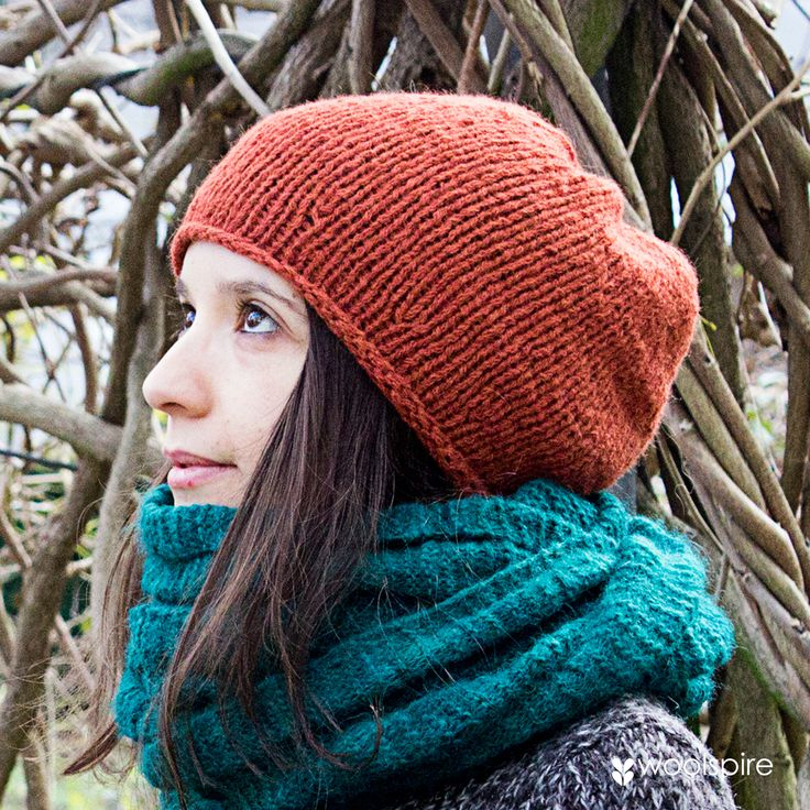 Hat that is easy to knit, designed by Danish designer Charlotte Kaae. Knitted ind alpaca (Catalina) from Lamana.