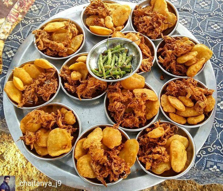 Via @chaitanya_j9 -  Subeh ka nashta ..... . . . . . #sopune #food #sweet #foodie #delicious #yummy #delight #foodforthought #foodinsta #foodforsoul #foodstagram #eat #tasty #eatsweet #traveller #dinner #travelindia #trip #travelgram #india #yum #breakfast #spicy #foodlover #pune_ig #vegetarian #maharashtra #indianfood
