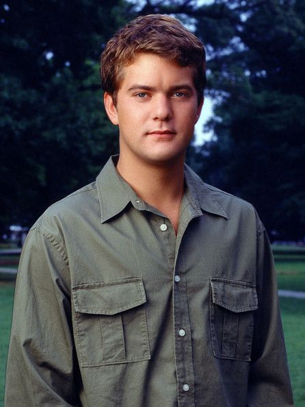 "Pacey Witter, 'Dawson's Creek'  When discussing why Pacey Witter is the best TV boyfriend of all time, you really only need one talking point: He bought Joey a wall! The guy who started off as a screw-up eventually became the romantic hero of Dawson's Creek. Between helping Andie confront mental illness and rehabbing a boat called the ""True Love"" so he could sail all summer with Joey, Pacey pretty much ruined us for all other TV boyfriends."