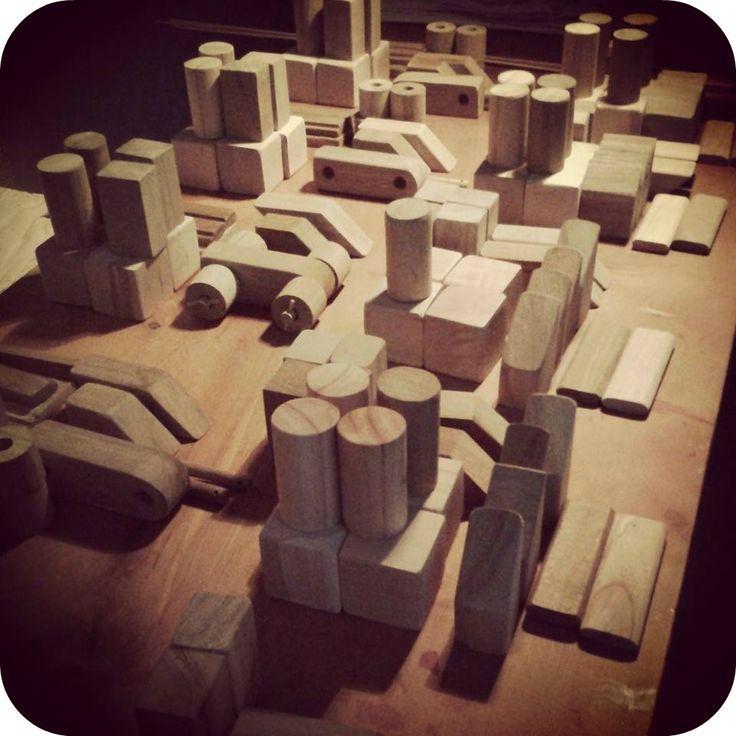 Juguetes de madera bloques para armar casas barcos for Muebles para armar