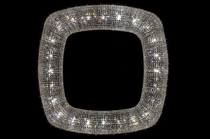 OENO Crystal pendant lamp by Manooi #crystalchandelier #lightingdesign #interior #chandelier #coollamps #luxury #Manooi