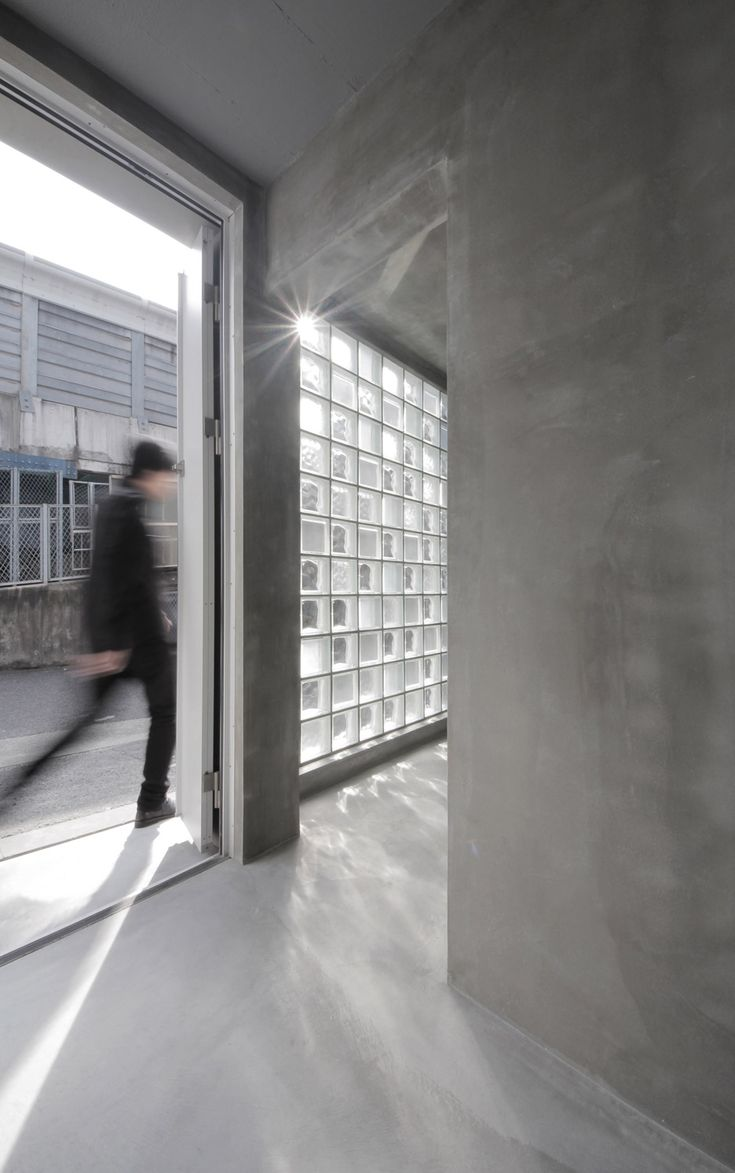 18 Modern Glass House Exterior Designs: 18 Best Contemporary Glass Block Walls Images On Pinterest