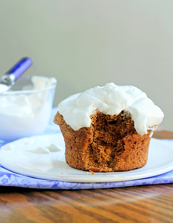 """Healthier"" cream cheese frosting recipe... better than Pillsbury!Tasty Recipe, Cream Cheese Frostings, Pumpkin Cupcakes, Pumpkin Cake, Carrots Cake, Vegan Cream Cheese, Healthy Desserts, Cream Chees Frostings, Cream Cheeses"