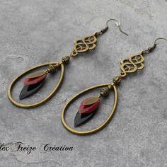 Bijou créateur - boucles d'oreilles antiques bronze estampes et breloques créoles gouttes plumes sequins émaillés noir et bordeaux