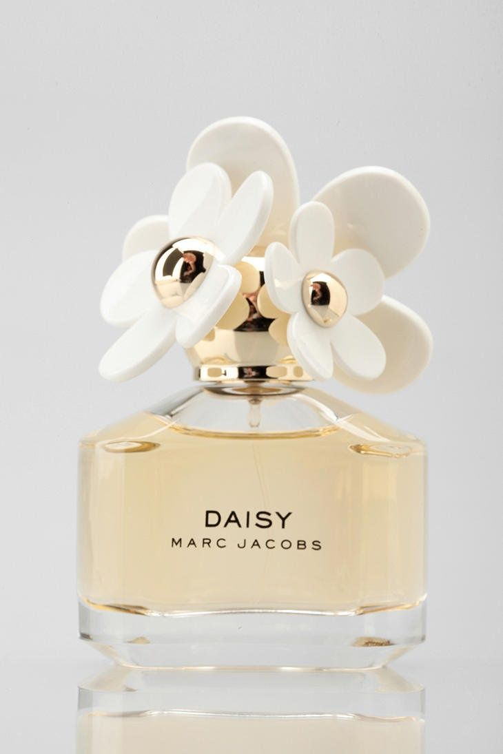 Marc Jacobs Daisy Perfume. NEED a new one of these!
