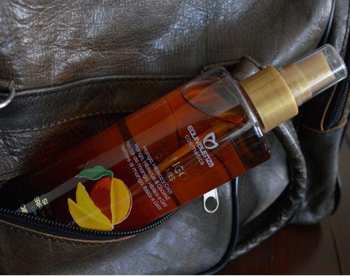 Το #BodyMist …διεκδικεί τη θέση του στην τσάντα σας. ;-)#Equivalenza_Greece #perfume #mango #summer #weekend #Equivalenza http://www.equivalenza.com/gr/productos/body-mist/