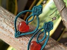 西域  macrame earrings -site has many picture tutes, click thru on your selection