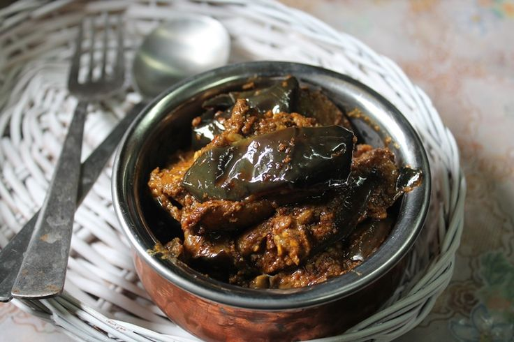 Andhra is famous for it brinjal curries..I have become a fan of their curries ever since i made this brinjal poppy seed curry. I made this dish, it is more like a masala than curry. I had this with steamed rice and papad, it was delicious. You can check out my other andhra recipes too.....Read More