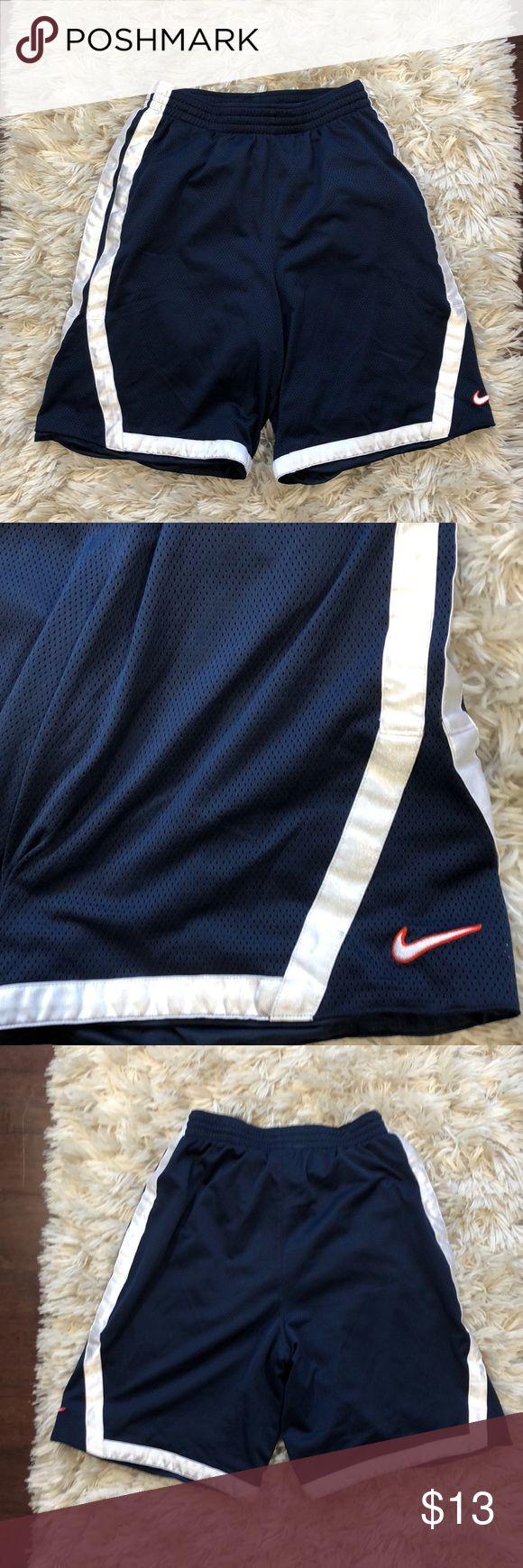 Nike knee length basket ball shorts Elastic waist knee length baseball shorts Nike Shorts Athletic