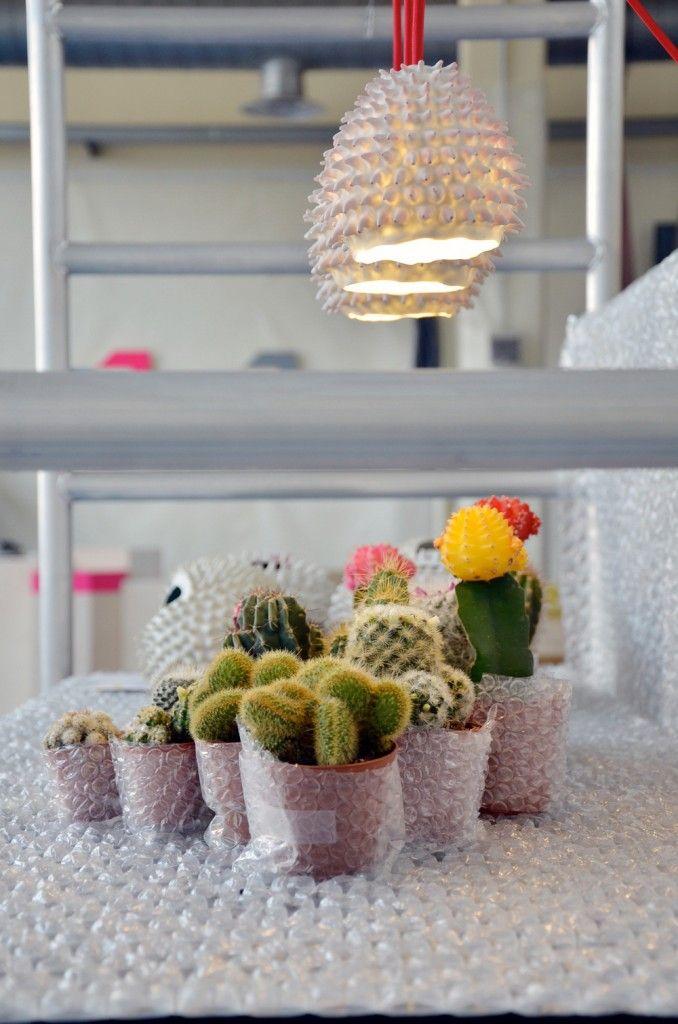 Zomervondst: vaasjes (en lampen) die doen denken aan koraal Roomed | roomed.nl