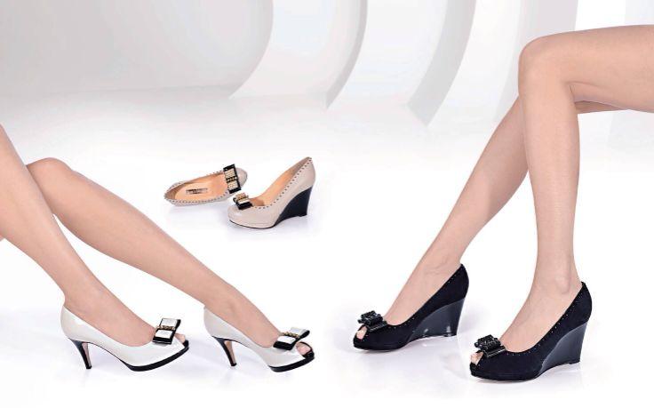 NANDO MUZI www.fiera-italia.com.   Praha, Vaclavske namesti 28. Pasáž U STÝBLU. Fiera Italia.    Shoes boutique.