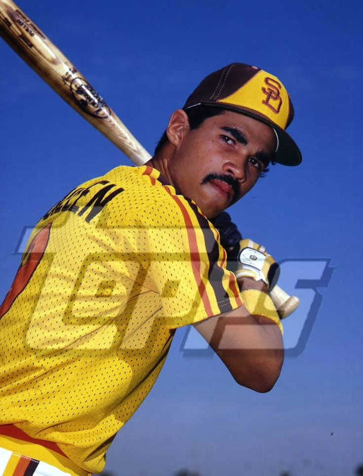Ozzie Guillen with the Padres