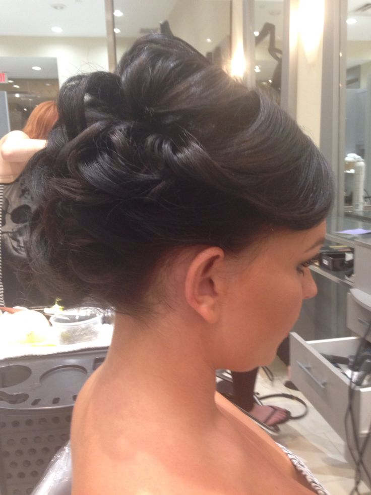 Beautiful updo on short hair
