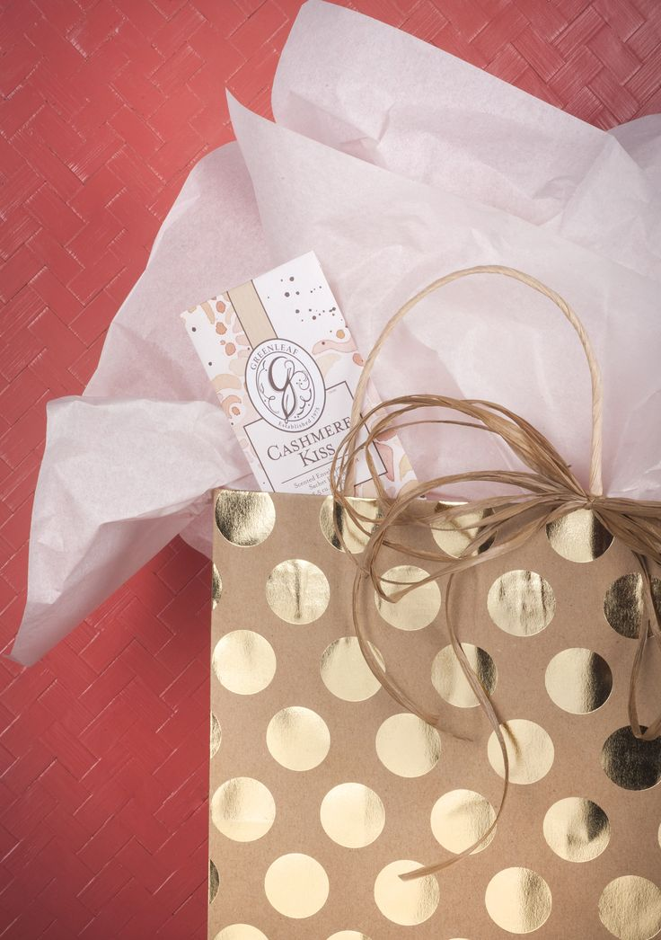 Tuck one of our slim sachets into a gift bag for a little something extra, plus your gift will smell amazing!