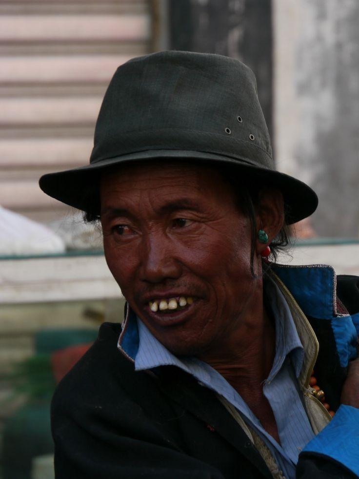 Tibet04LhasaBarkhor017