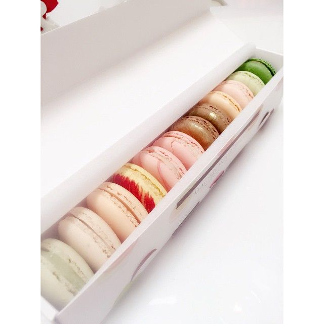 17 best Our Macaron Boxes images on Pinterest | Macaron boxes ...