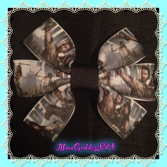 """💀The Walking Dead Hair Bow~Rick~Daryl~Michonne💀 💀 The Walking Dead Hair Bow*Rick*Daryl*Michonne 💀 💚AMC💚        *Heat Sealed w/Alligator Clip Attached *Made With 💖 *Ranges Approx 4"""" -+ in Size  *Punky or Girly,I make Bows Worthy!;)* *Perfect for holding back bangs, or wisps of hair*  * I hope I can fit your *BOW* Needs.Remember,bows aren't just for hair;) you can get crafty yourself & use them for many other purposes*  *PERFECT FOR ANY AGE!* *We welcome custom orders XOXO* *** *ALWAYS…"""