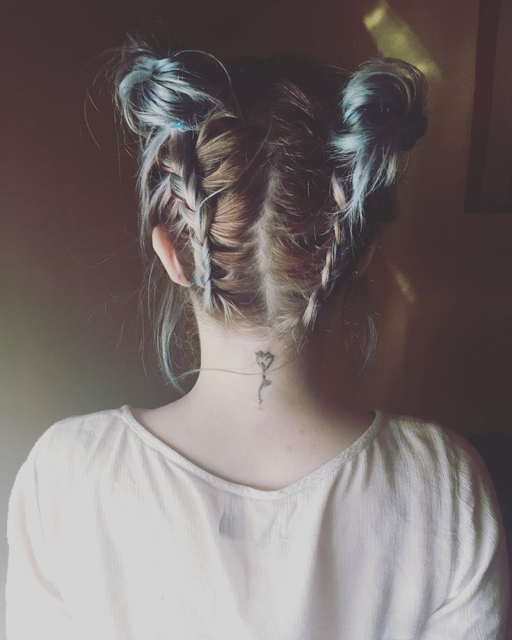 Small rose neck tattoo<<< I love her hair ♥