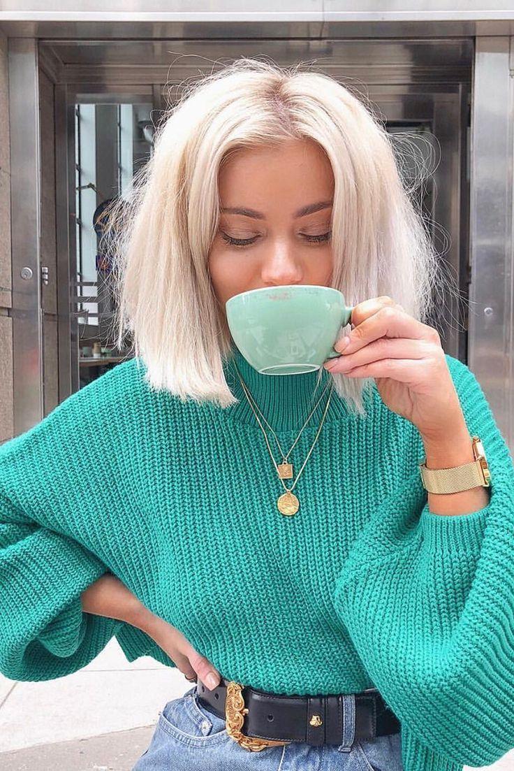 Encomende a camisola de manga Laura Jade verde cortada balão por In The Style. …   – Haarlängen