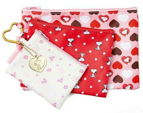 Snoopy pouches in red and pink ❤