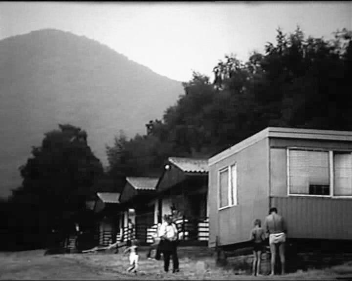 Města, obce, osady, samoty a objekty zaniklé nebo částečně zaniklé po roce 1945 (dobové pohlednice, historie, vojenské mapy, místopis)