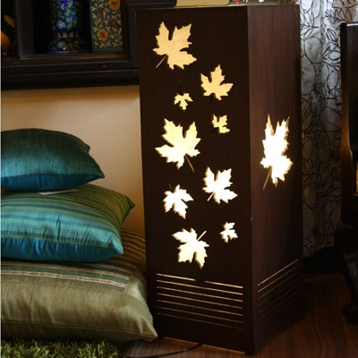 Adorable Maple leaves falling lamp for your lovely home :)