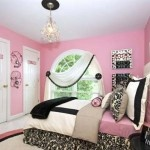 Pink Retro Bedroom with Stylish Vintage Decoration Details