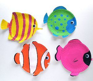 Tropical Reef Fish are fun animal crafts for kids that are great as summer activities for kids or classroom crafts for decorating during a lecture on the ocean. Dive into crafts for kids with these amazing tropical fish made from paper plates.