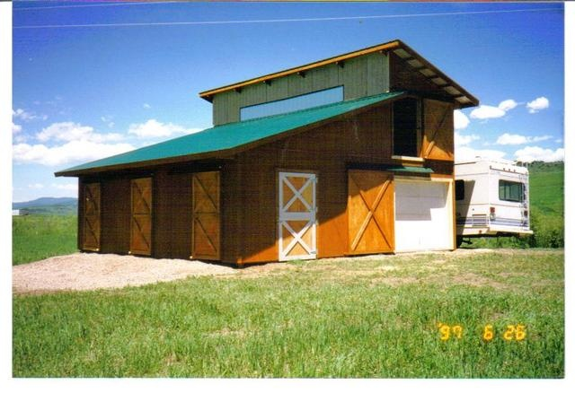 Two stall horse barn a place for hay above too i like for 2 stall barn plans