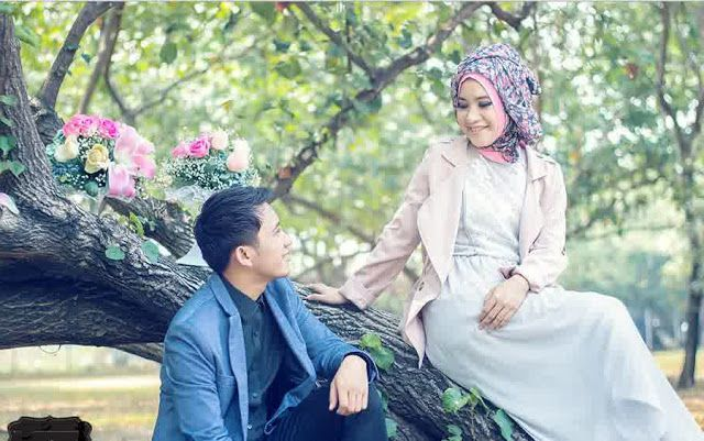 Wahai Para Istri! Lakukan 7 Hal Sederhana Ini Agar Selalu Dirindukan Suami http://ift.tt/2o4TXhF  Wanita mana sich yang tidak berbunga-bunga jika dirinya selalu dirindukan oleh sang suami? Sayangnya tidak semua wanita tahu bagaimana caranya agar sang suami senantiasa cinta dan merindukan keberadaannya. Padahal islam sudah memberikan petunjuk yang sangat sederhana kepada para wanita untuk bisa menjadi wanita yang dicintai dan dirindukan oleh para suami. Sebagaimana disebutkan dalam hadits…