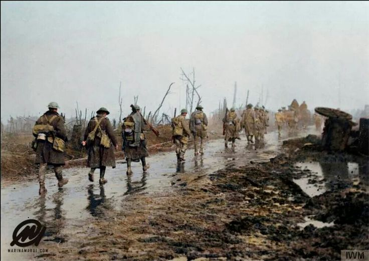 Allied troops coming out of the trenches on the Guillemont -Montauban road, Somme.  27 November 1916.  19 November 1916 Offensives ceased and the troops dug in. With winter closing in, the fighting was now suspended. Haig deemed the soldiers had done enough and resolved to resume the offensive in February.