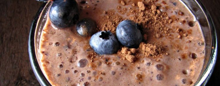 Chocolate Blueberry Smoothie Recipe | Greatist