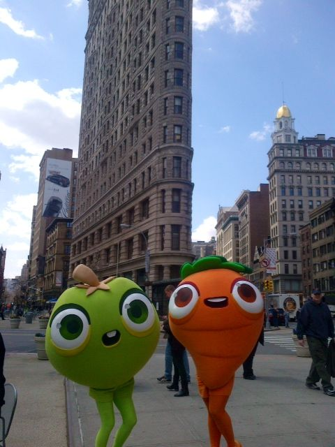 P+ mascots in NYC for the King Farm Heroes Saga launch