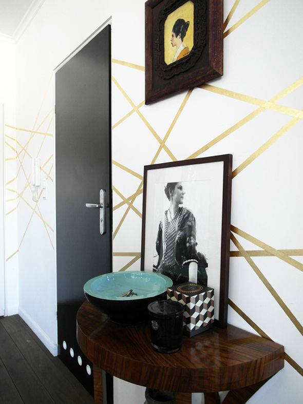 gold stripey faux wallpaper look from Patchwork and Co. (via the little green notebook)