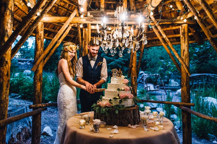©Isaiah & Taylor Photography - Pine Rose Cabin - Lake Arrowhead - Los Angeles Wedding Photographer-Cake Gazebo at Hidden Creek. #PineRose Wedding