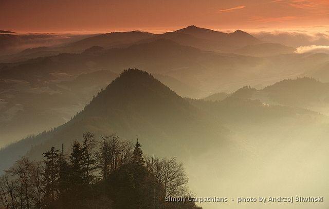 Sunset in the Pieniny Mountains. #Poland  www.simplycarpathians.com