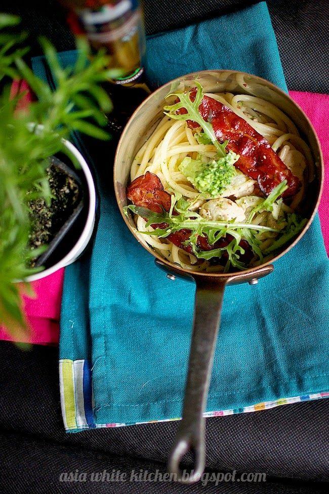 Asia's White Kitchen: Bucatini z kurczakiem i sosem śmietanowym