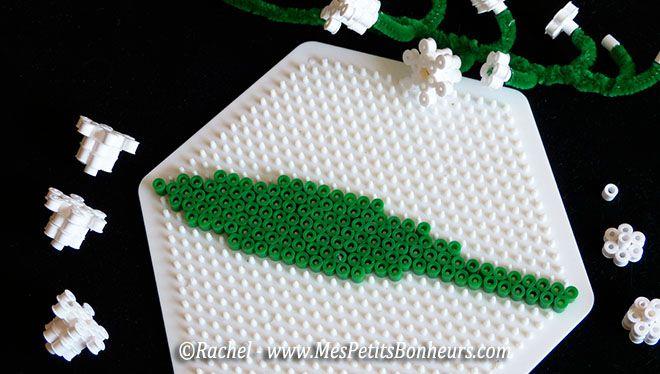 modele feuille muguet perles a repasser plaque hama hexagone