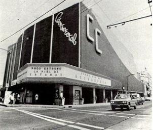 """Cine Continental o """"La Casa de Disney"""" el exterior estaba decorado con dibujos de los principales personajes de Disney"""