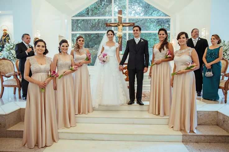 Madrinhas ao estilo americano, todas vestidas da mesma cor - Casamento Amanda Abreu e Noman Khan