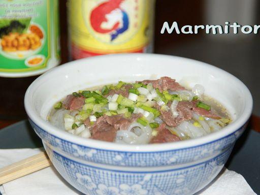 Recette de Phô (Viêtnam) (Soupe de boeuf aux nouilles de riz)