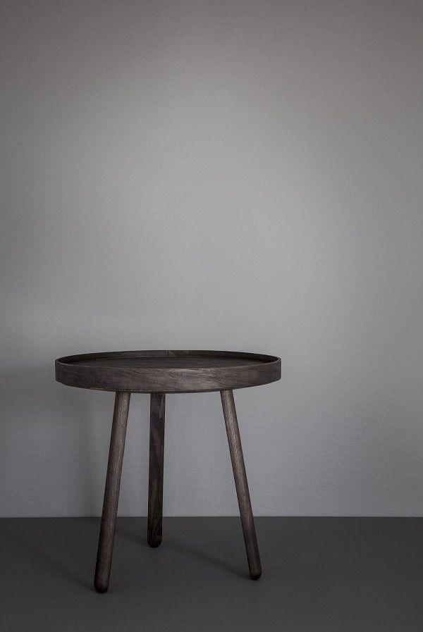 Frumoasa prin simplitatea ei, masa Uncover cu tava detasabila este realizata din lemn de frasin, aceasta este foarte utila pentru servirea micului dejun. Descopera produse simple, dar cu detalii ascunse pe www.somproduct.ro #coffee #table #SomProduct #inspiring #arhitecture #monday